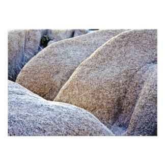 Cantos rodados del granito - monumento nacional de anuncio