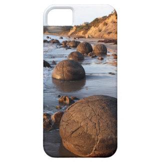 Cantos rodados Nueva Zelanda de Moeraki iPhone 5 Case-Mate Cobertura