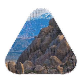 Cantos rodados y montañas