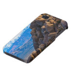 Cantos rodados y montañas iPhone 4 cárcasas
