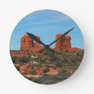 canyon lands round clock