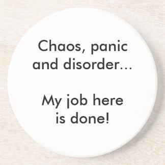 Caos, pánico y desorden posavaso para bebida