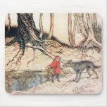 Capa con capucha roja alfombrilla de raton
