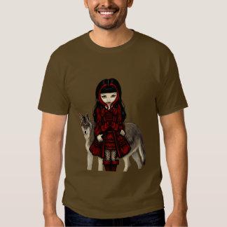 Capa con capucha roja en camisa del lobo del otoño