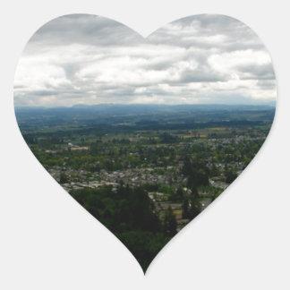 Capa de nubes pegatina en forma de corazón