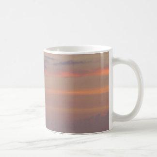 capas brumosas taza clásica