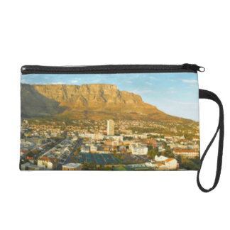 Cape Town Cityscape With Table Mountain Wristlet
