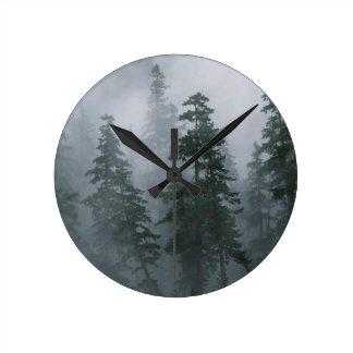 Capilla del soporte de la tormenta del claro de la reloj