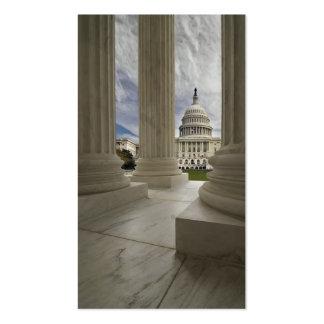 Capital a través de columnas tarjetas de visita