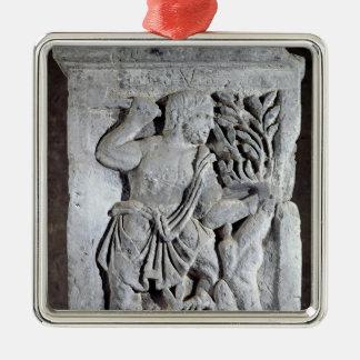 Capital of The Nautes Pillar Metal Ornament