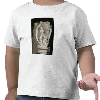 Capital que representa la primera llave de camisetas