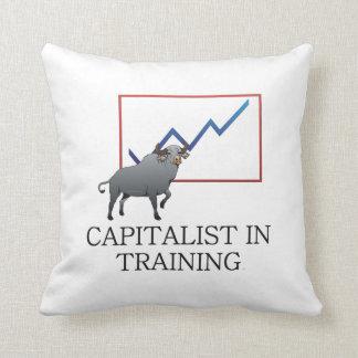 Capitalista de la CAMISETA en el entrenamiento Cojin