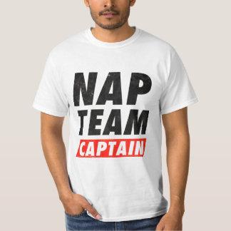 Capitán del equipo de la siesta playera