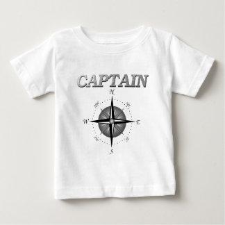 Capitán gris con el rosa de compás camisas