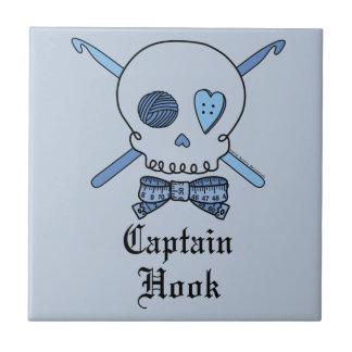 Capitán Hook Skull y ganchos de ganchillo (parte p Azulejo Ceramica