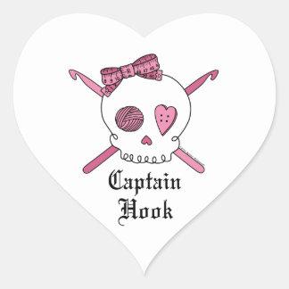 Capitán Hook Skull y ganchos de ganchillo (rosa) Pegatina En Forma De Corazón