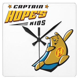 Capitán Hope Bear Relojes De Pared