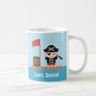 Capitán lindo Ocean Raft Boy del pirata Taza Básica Blanca