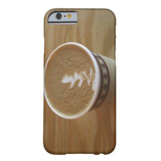 Cappuccino con diseño del árbol en espuma funda para iPhone 6 barely there