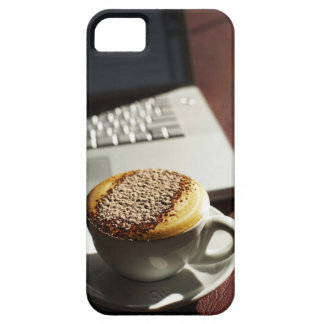 Cappuccino in front of laptop iPhone SE/5/5s case