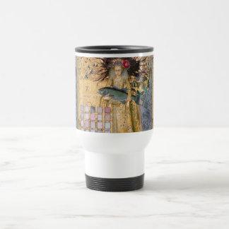 Caprichos góticos del renacimiento de la mujer de taza de viaje