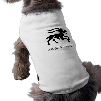 Capricornio en negro playera sin mangas para perro