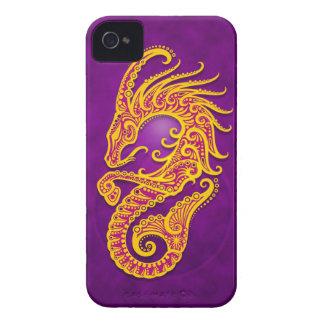 Capricornio tribal púrpura y amarillo complejo iPhone 4 cárcasas