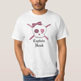 Captain Hook Skull & Crochet Hooks (Pink) T Shirt