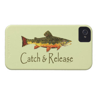 Captura y lanzamiento de pesca de la trucha iPhone 4 Case-Mate protector