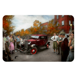 Car - Accident - Late for tee time 1932 Magnet