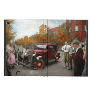 Car - Accident - Late for tee time 1932 Powis iPad Air 2 Case