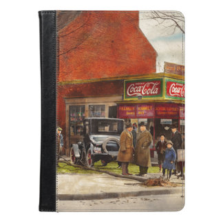 Car - Accident - Looking out for number one 1921 iPad Air Case