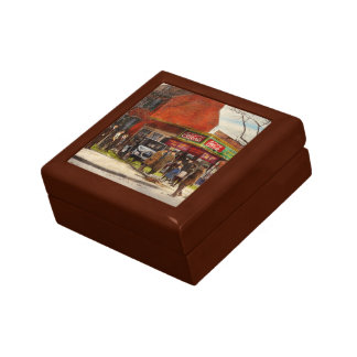 Car - Accident - Looking out for number one 1921 Jewelry Box