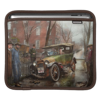 Car Accident - Watch for ice 1921 Sleeves For iPads