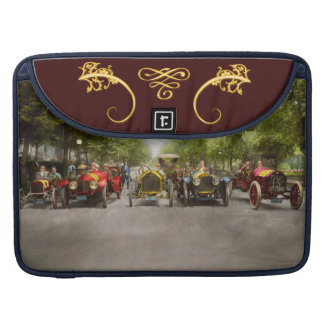 Car - Race - Hold on to your hats 1915 Sleeves For MacBooks