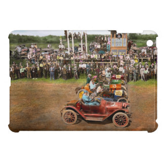 Car - Race - On the edge of their seats 1915 Case For The iPad Mini