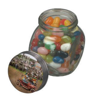 Car - Race - On the edge of their seats 1915 Jelly Belly Candy Jar