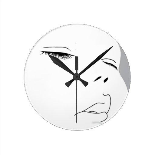 Cara 1 del bebé reloj redondo mediano