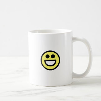 Cara abierta del smiley de la boca del amarillo taza de café