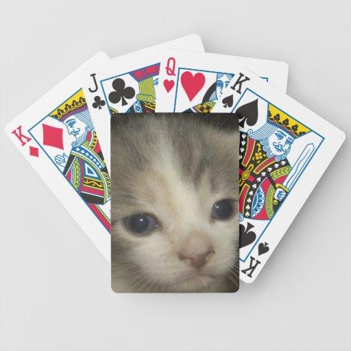 Cara adorable del gatito cartas de juego