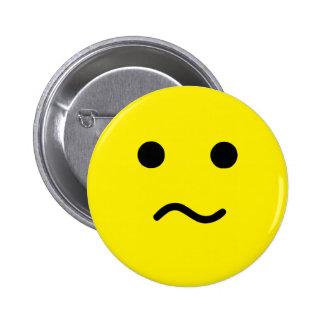 Cara amarilla confusa simple de Meh Pin Redondo 5 Cm
