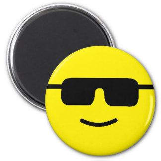 Cara amarilla de las sombras frescas simples imán redondo 5 cm