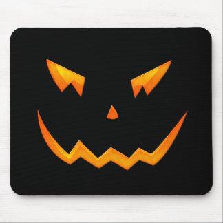 Cara asustadiza 2009 de la calabaza de Halloween Mousepads