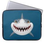 Cara asustadiza animada del tiburón manga computadora