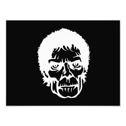 Cara asustadiza del monstruo del zombi fotografia