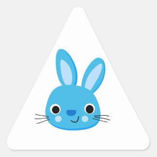 Cara azul linda del conejo de conejito