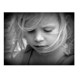 Cara blanco y negro del retrato del chica postales
