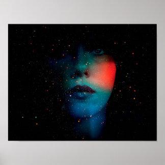 Cara cósmica en el universo infinito póster