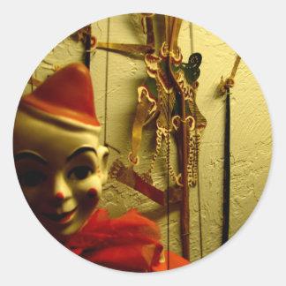Cara de la marioneta pegatina redonda