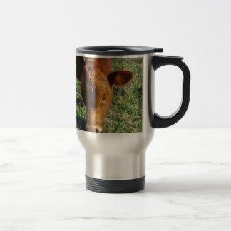 Cara de la pequeña vaca de Brown Taza De Café